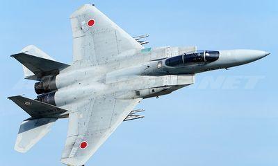 Chiến đấu cơ F-15 của Nhật Bản hạ cánh khẩn cấp bằng móc hãm đà do sự cố hy hữu