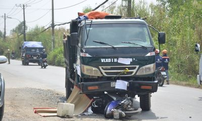 Va chạm với xe ben, thanh niên bị cán tử vong tại chỗ