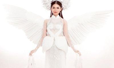 Hé lộ trang phục truyền thống lung linh,