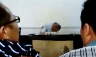 Phiên tòa náo loạn vì thẩm phán chủ tọa say rượu, ngủ gục