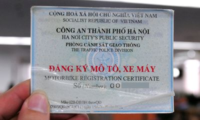 Đi xe máy không mang theo đăng ký xe bị phạt thế nào?