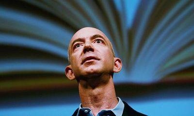 Ông chủ Amazon trở thành người giàu nhất thế giới nhờ Black Friday