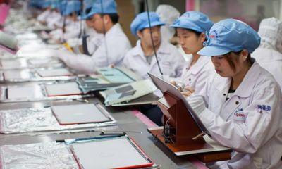 Foxconn chấm dứt hợp đồng với học sinh làm thêm giờ