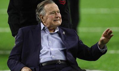 """Ông Bush """"cha"""" trở thành Tổng thống sống thọ nhất nước Mỹ"""