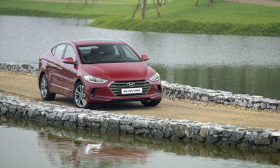Hyundai Elantra giảm sốc 80 triệu dịp cuối năm, giá còn từ 549 triệu đồng