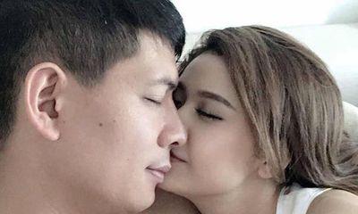 Bình Minh ngụy biện không ngờ để lộ ra điều phi lý trong bức ảnh thân mật với Quỳnh Anh
