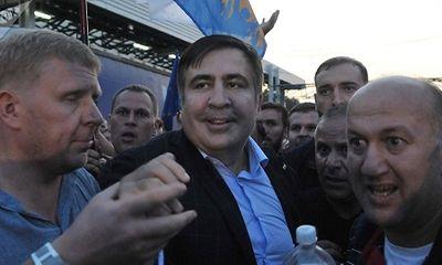 Cựu Tổng thống Gruzia định nhảy lầu, đòi làm cách mạng ở Ukraine