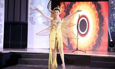 Màn trình diễn của đại diện Việt Nam tại bán kết World Miss Tourism Ambassador 2017
