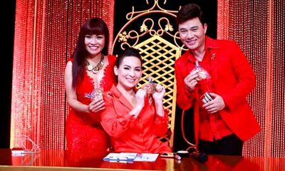 Phi Nhung, Phương Thanh và Quang Linh diện đồ rực rỡ đón Noel trên