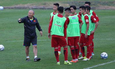 Thầy trò HLV Park Hang-seo lên đường sang Trung Quốc tham dự VCK U23 châu Á