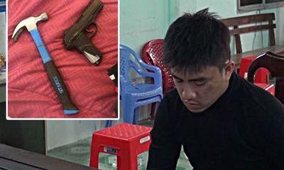 Tạm giữ hình sự đối tượng trộm cắp mang theo súng, xịt hơi cay