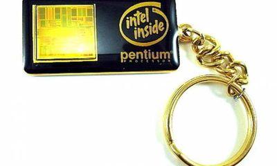 Thu hồi chíp lỗi, Intel biến thành móc chìa khóa tặng cho nhân viên