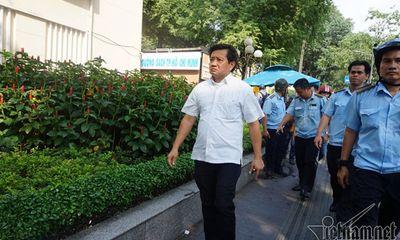 Ông Đoàn Ngọc Hải đình chỉ 48 bãi giữ xe sau khi có đơn xin từ chức