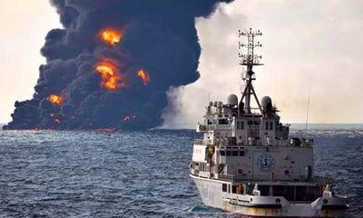 Tàu chở dầu Iran phát nổ, chìm hoàn toàn va chạm tàu Trung Quốc