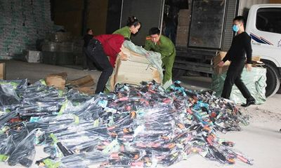 Phát hiện hơn 2.000 khẩu súng nhựa vận chuyển từ Quảng Ninh về Thanh Hóa