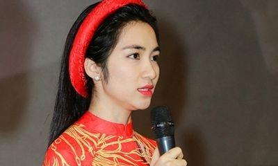 Hòa Minzy bật khóc, tuyên bố năm 2018 không thành công sẽ tạm dừng sự nghiệp