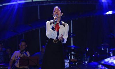 Lệ Quyên tập luyện cho đêm nhạc Trịnh đến 2h sáng