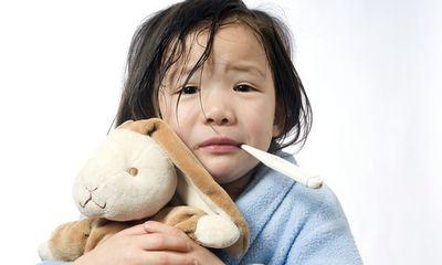 Những căn bệnh trẻ dễ mắc khi trời trở lạnh, mẹ cần biết cách phòng tránh
