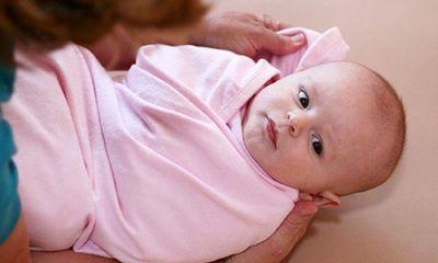 Trời rét đậm, tắm cho trẻ như thế nào để tránh cảm lạnh?
