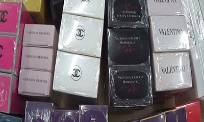 Video: Nước hoa Chanel, Gucci bị làm giả từ hóa chất Trung Quốc