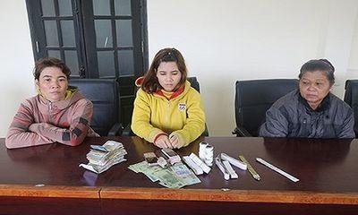 Tóm gọn 3 phụ nữ dùng băng dính trộm tiền công đức