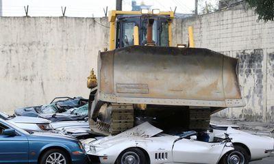 Tổng thống Philippines hạ lệnh nghiền nát hàng chục ô tô hạng sang nhập lậu