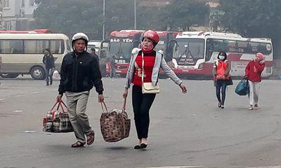Hà Nội: Ngỡ ngàng bến xe ngày giáp Tết vắng chưa từng thấy
