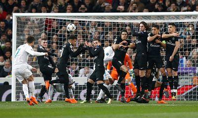 Ronaldo lập cú đúp, Real ngược dòng thắng