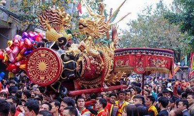 Hình ảnh trai tráng rước pháo khổng lồ Đồng Kỵ