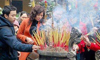 Thủ tướng Nguyễn Xuân Phúc yêu cầu công chức không đi lễ trong giờ làm việc