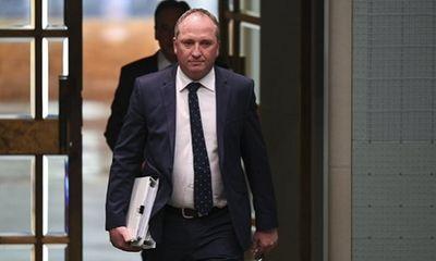 Phó thủ tướng Australia từ chức sau bê bối tình ái với nhân viên