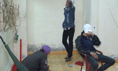5 nam, nữ thanh niên phê ma túy, tàng trữ vũ khí nóng