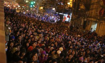 Hình ảnh hàng ngàn người dự lễ cầu an chùa Phúc Khánh