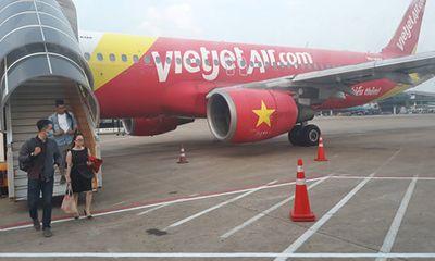 Sương mù dày đặc, nhiều chuyến bay đi Vinh phải hạ cánh ở Nội Bài