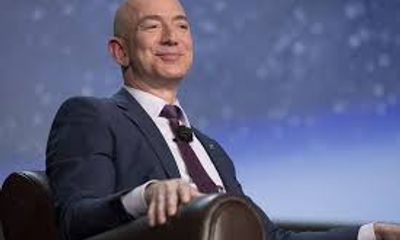 Tỷ phú Jeff Bezos vẫn giữ