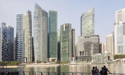 """Singapore lại """"án ngữ"""" Top đầu các thành phố đắt đỏ nhất thế giới"""