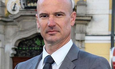 Nam luật sư Áo khởi kiện sau khi trượt bầu cử do giới tính nam