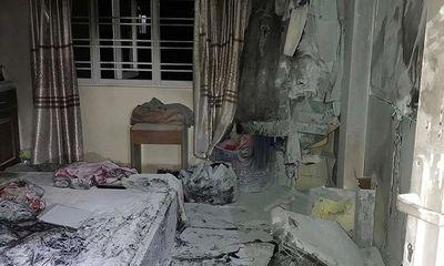 Quảng Ninh: 4 người trong gia đình nhập viện do cháy nhà