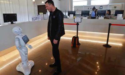 Cận cảnh Robot siêu thông minh có thể thay thế nhân viên lễ tân
