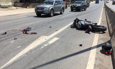 Tay chơi mô tô phân phối lớn tử vong sau cú va chạm với xe tải