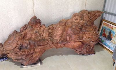 Đại gia ngã giá 1,5 tỷ cho một bức tượng gỗ sưa, chủ nhân vẫn chưa gật đầu