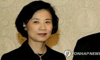 Sau bê bối của 2 cô con gái, vợ Chủ tịch Korean Air bị điều tra vì nghi hành hung nhân viên