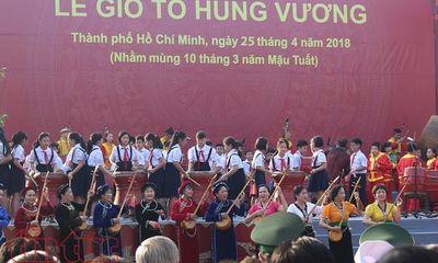 Hàng nghìn người nô nức dự lễ giỗ Tổ Hùng Vương ở TP Hồ Chí Minh