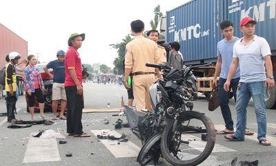 Xe máy tông trực diện vào ôtô, 1 người tử vong