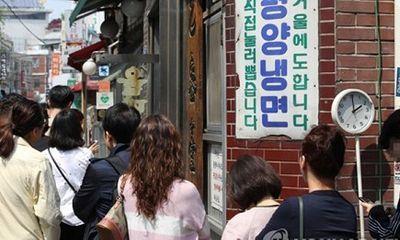 """Mỳ lạnh Triều Tiên """"hút"""" khách sau cuộc gặp gỡ lịch sử"""