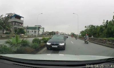Video: BMW chạy ngược chiều,