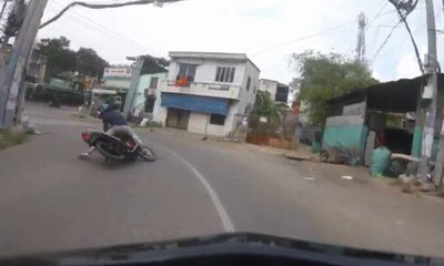 Clip: Màn truy đuổi nghẹt thở, bắt gọn tên cướp trên đường phố Sài Gòn