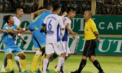 VFF xử phạt cầu thủ Khánh Hòa vì