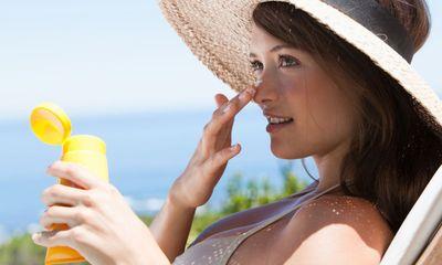 Cách chống nắng đơn giản giúp chị em dễ dàng 'đi qua mùa hè'