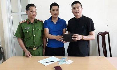 Hạ Long: Trả lại 30 triệu đồng đánh rơi cho người đàn ông Trung Quốc